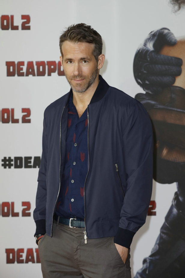 DEADPOOL2-Photocall__02_1400