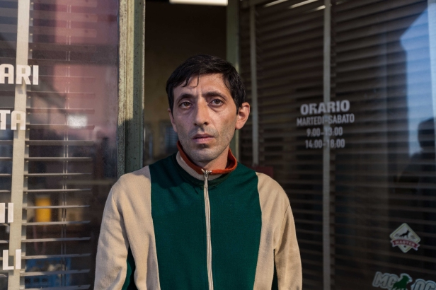 04_DOGMAN_MarcelloFonte_GretaDeLazzaris_AlamodeFilm
